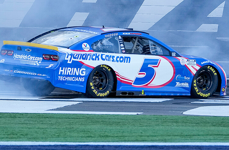 How To Bet - Autotrader EchoPark Automotive 500 Odds: Kyle Larson The Favorite Heading Into First Round of 8 Race