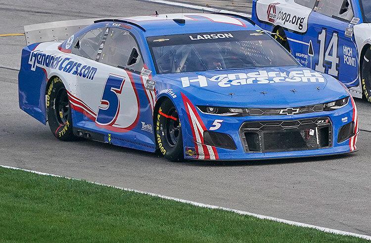 NASCAR Food City Dirt Race Odds: Surging Kyle Larson the Favorite