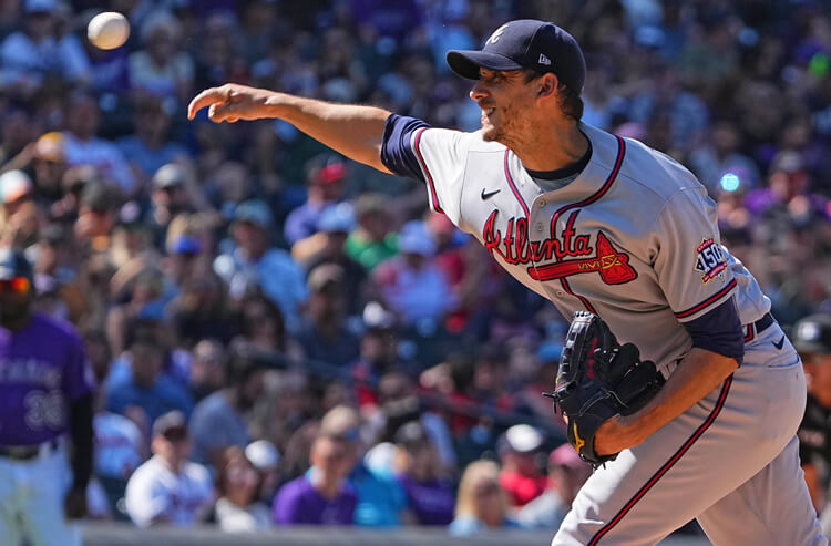 Braves vs Giants Picks and Predictions: Can Braves Pull Even in NL Leaders Clash?