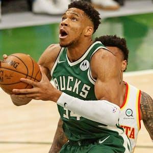 Giannis Antetokounmpo NBA Milwaukee Bucks