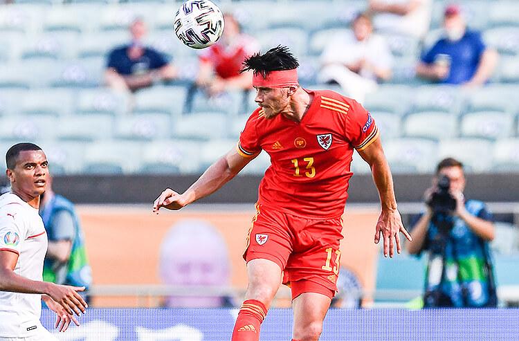 Kieffer Moore Wales Euro 2020