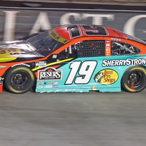 Martin Truex Jr South Point 400 NASCAR
