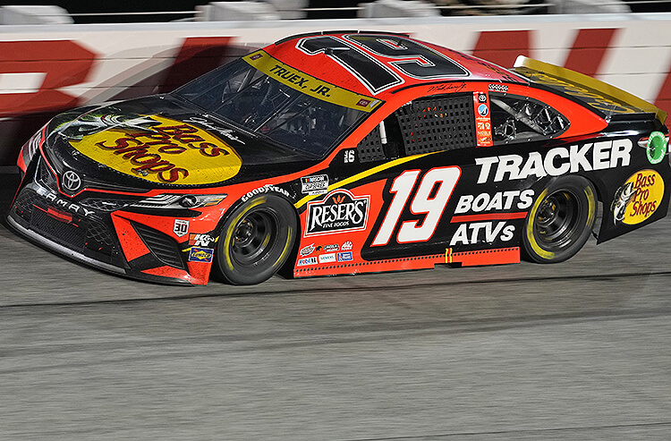 How To Bet - Federated Auto Parts 400 Odds: Truex Jr.'s Rich Richmond History Makes Him Betting Favorite