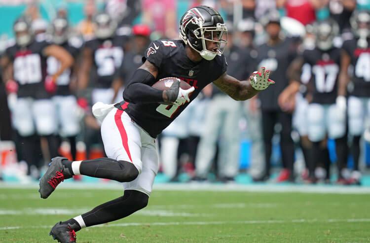 Panthers vs Falcons Week 8 Picks and Predictions: Carolina Continues to Crumble