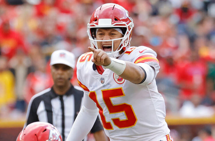 How To Bet - Chiefs vs Titans Week 7 Picks and Predictions: Can Tennessee Do It Again at Home?