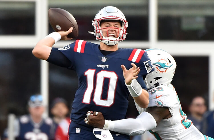 How To Bet - 2021 NFL Offensive Rookie of the Year Odds: Mac Jones Keeps the Lead