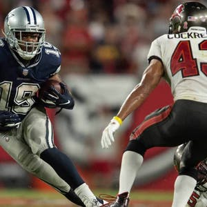 Dallas Cowboys wide receiver Amari Copper makes a catch against the Tampa Bay Buccaneers in the fourth quarter at Raymond James Stadium.